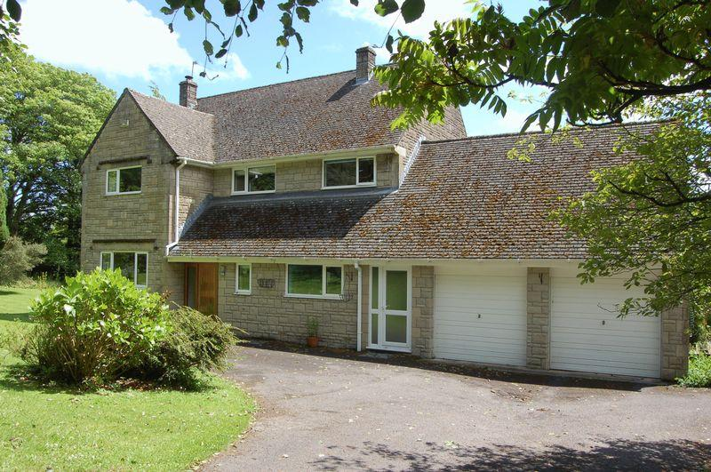 4 Bedrooms Detached House for sale in Tintern Heights, Chepstow