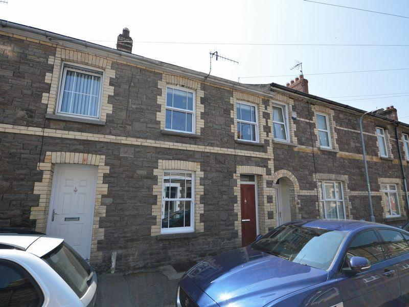 2 Bedrooms Terraced House for sale in Stanhope Street, NP7