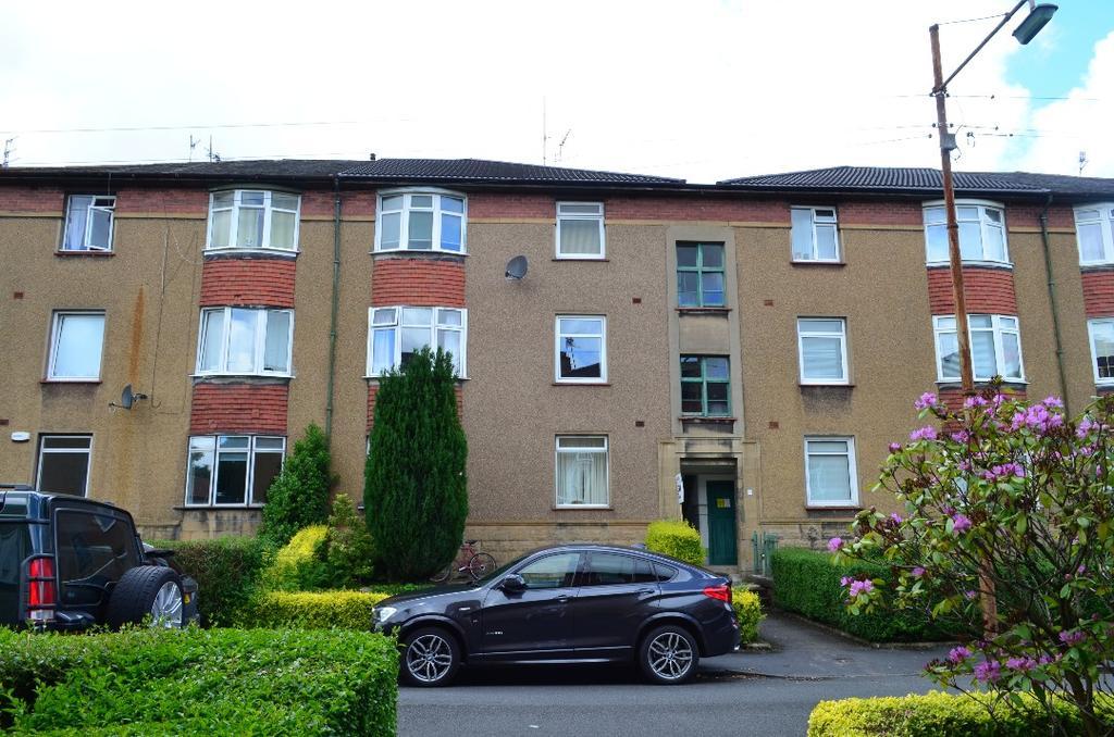 2 Bedrooms Flat for sale in Penrith Drive, Flat 1/1, Kelvindale, Glasgow, G12 0DG