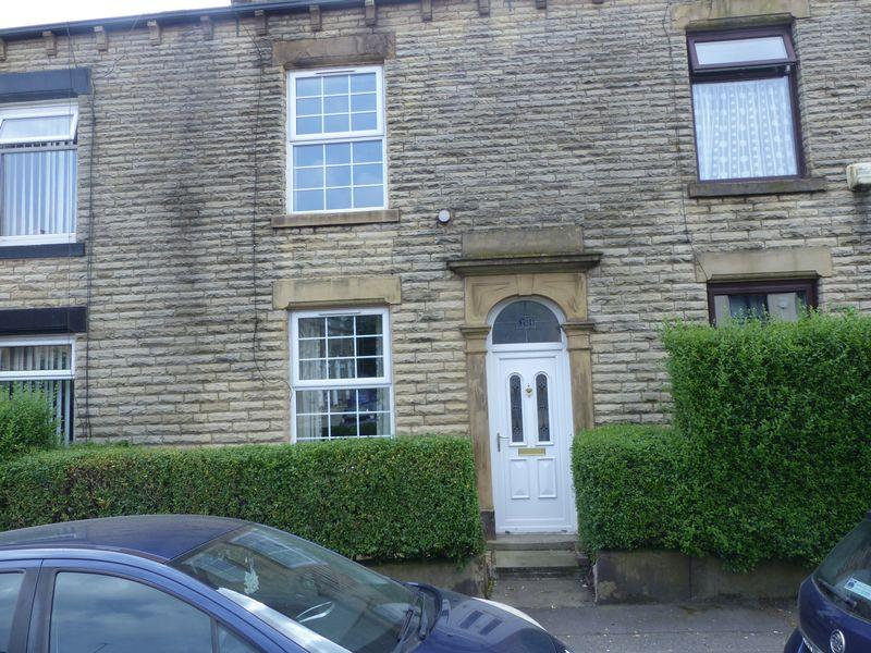 2 Bedrooms Terraced House for sale in Milnrow Road, Oldham