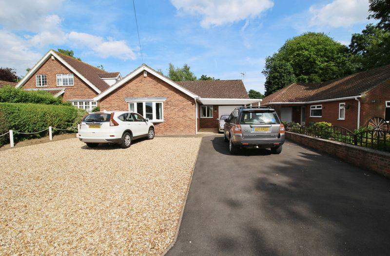 3 Bedrooms Detached Bungalow for sale in Wainfleet Road, Burgh Le Marsh