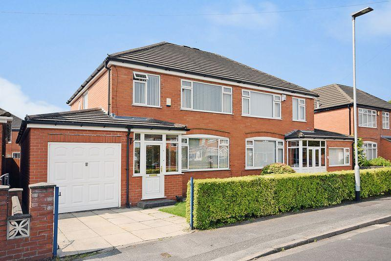 3 Bedrooms Semi Detached House for sale in Ruscolm Close, Great Sankey