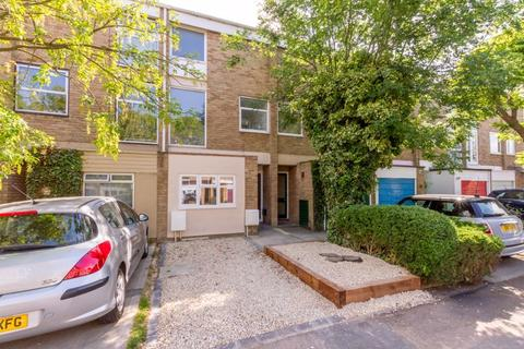 4 bedroom townhouse for sale - Harefields, North Oxford