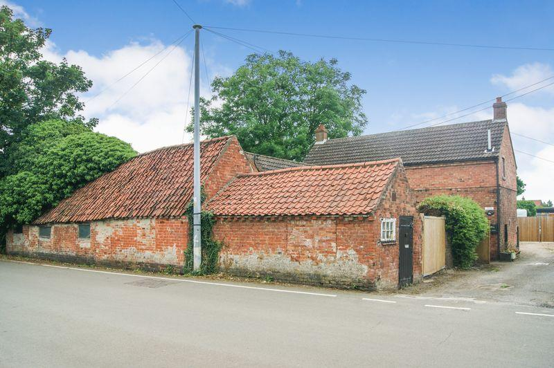 3 Bedrooms Detached House for sale in Main Street, North Muskham