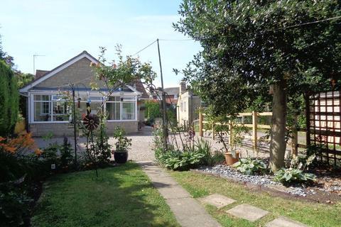 2 bedroom bungalow for sale - Bredon, GL20 7LW