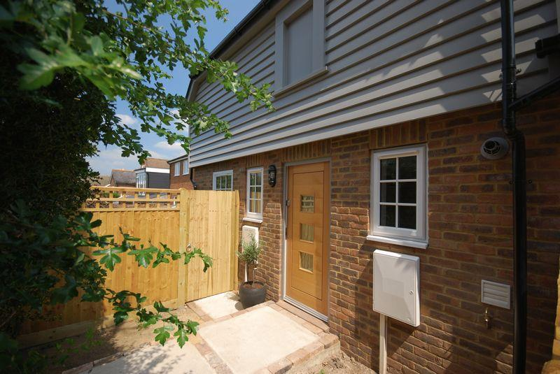 3 Bedrooms Semi Detached House for sale in High Street, Rusthall, Tunbridge Wells
