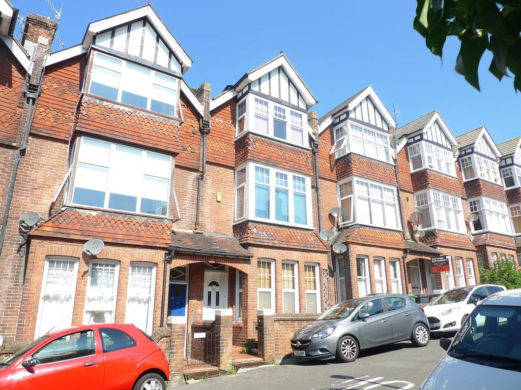 5 Bedrooms Terraced House for sale in Ocklynge Road, Eastbourne, BN21