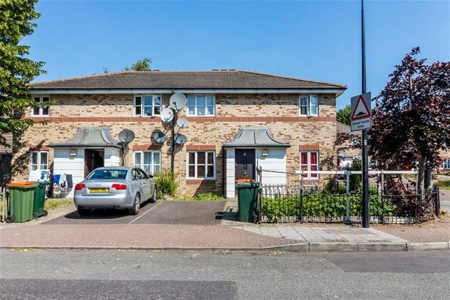 2 Bedrooms Maisonette Flat for sale in Leslie Road, Custom House
