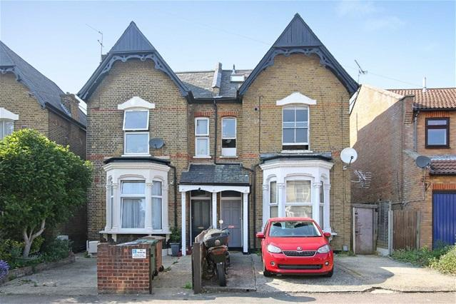 1 Bedroom Flat for sale in Gainsford Road, Walthamstow
