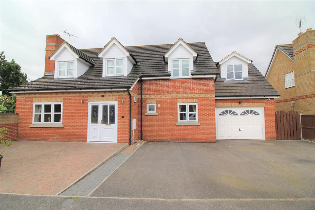 4 Bedrooms Detached House for sale in Longley Mews, Farm Road, Orsett, Grays
