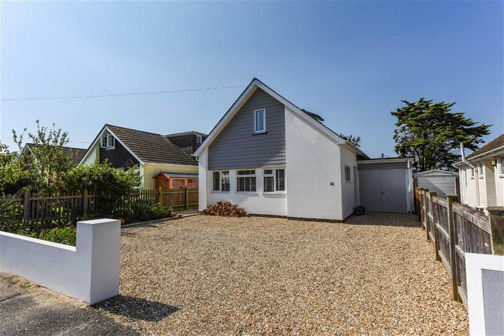4 Bedrooms Detached Bungalow for sale in Seafield Close, East Wittering, West Sussex