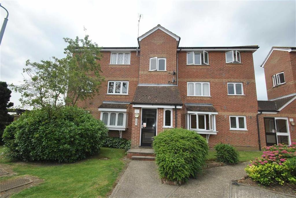 1 Bedroom Apartment Flat for sale in Lesney Gardens, Rochford, Essex
