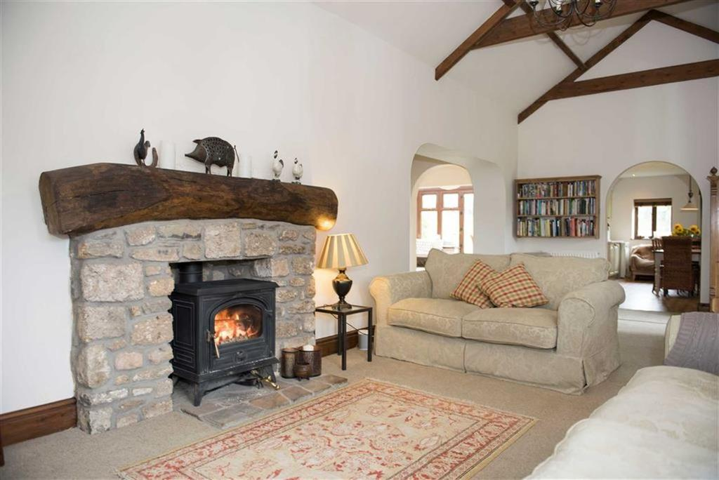 4 Bedrooms Barn Conversion Character Property for sale in Fairyhill, Swansea