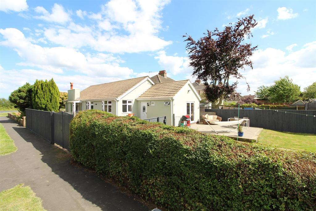 3 Bedrooms Detached Bungalow for sale in Fairway, Waltham, Grimsby