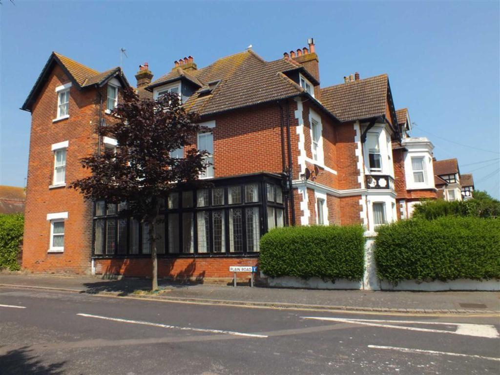 3 Bedrooms Flat for sale in Sandgate Road, Folkestone, Kent, CT20