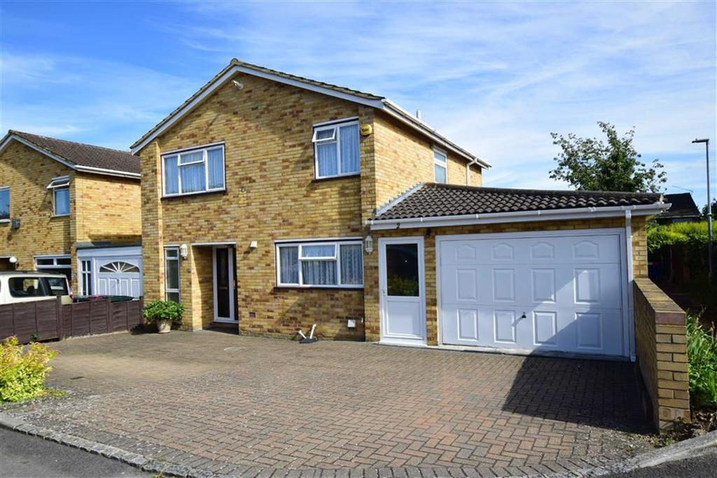 5 Bedrooms Detached House for sale in Kirkham Close, Caversham Park, Reading