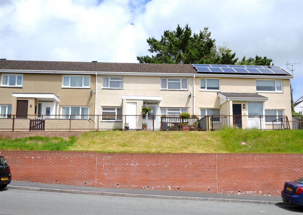 3 Bedrooms Terraced House for sale in Devon Drive, Pembroke