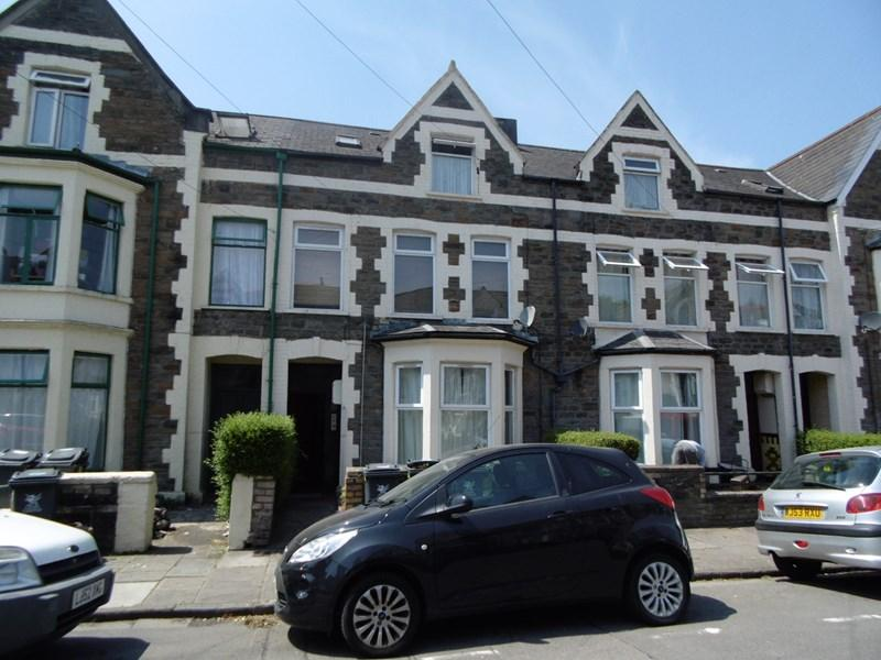 5 Bedrooms Terraced House for sale in Gordon Road, Cardiff