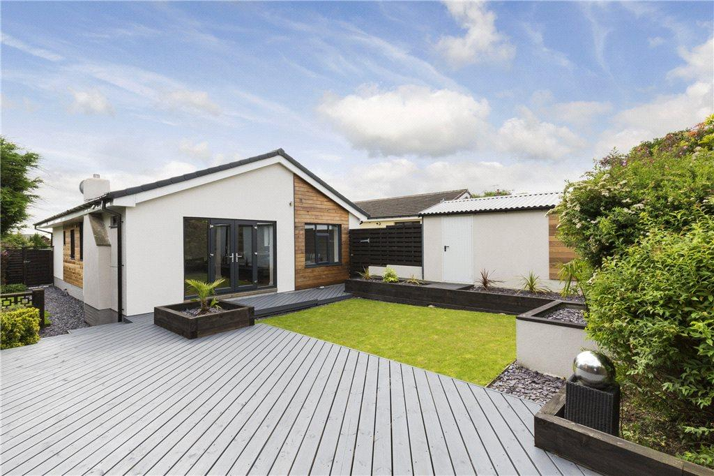 3 Bedrooms Detached Bungalow for sale in The Narrows, Harden, Bingley, West Yorkshire