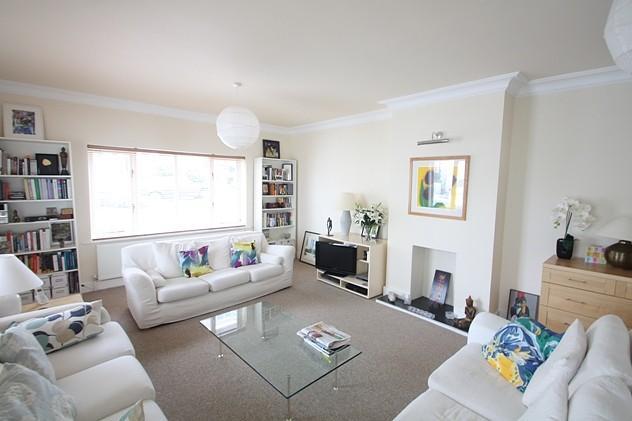 2 Bedrooms Apartment Flat for rent in Chesham Street, Brighton, BN2