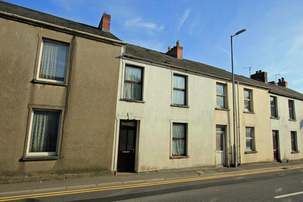 4 Bedrooms Terraced House for sale in Richmond Terrace, Carmarthen, Carmarthenshire