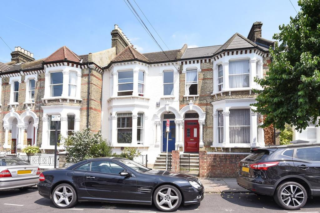 4 Bedrooms Terraced House for sale in Chestnut Grove, Balham, SW12