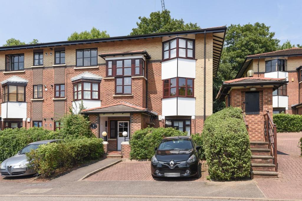 1 Bedroom Flat for sale in Celestial Gardens, Lewisham, SE13