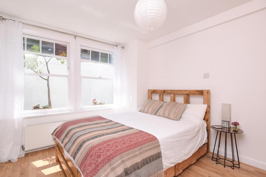 1 Bedroom Flat for sale in Bisham Gardens, Highgate