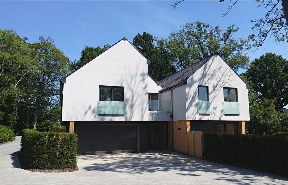 5 Bedrooms Residential Development Commercial for sale in Sedgewick Lane, Horsham, West Sussex, RH13