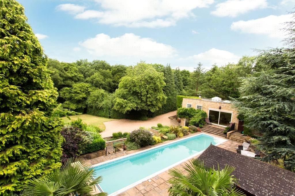 6 Bedrooms Detached House for sale in Baldwins Hill, Loughton, Essex, IG10