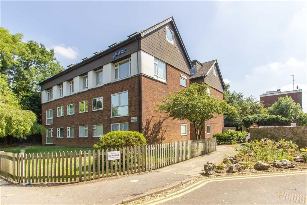 2 Bedrooms Flat for sale in Bramis House, Biggin Hill, Kent