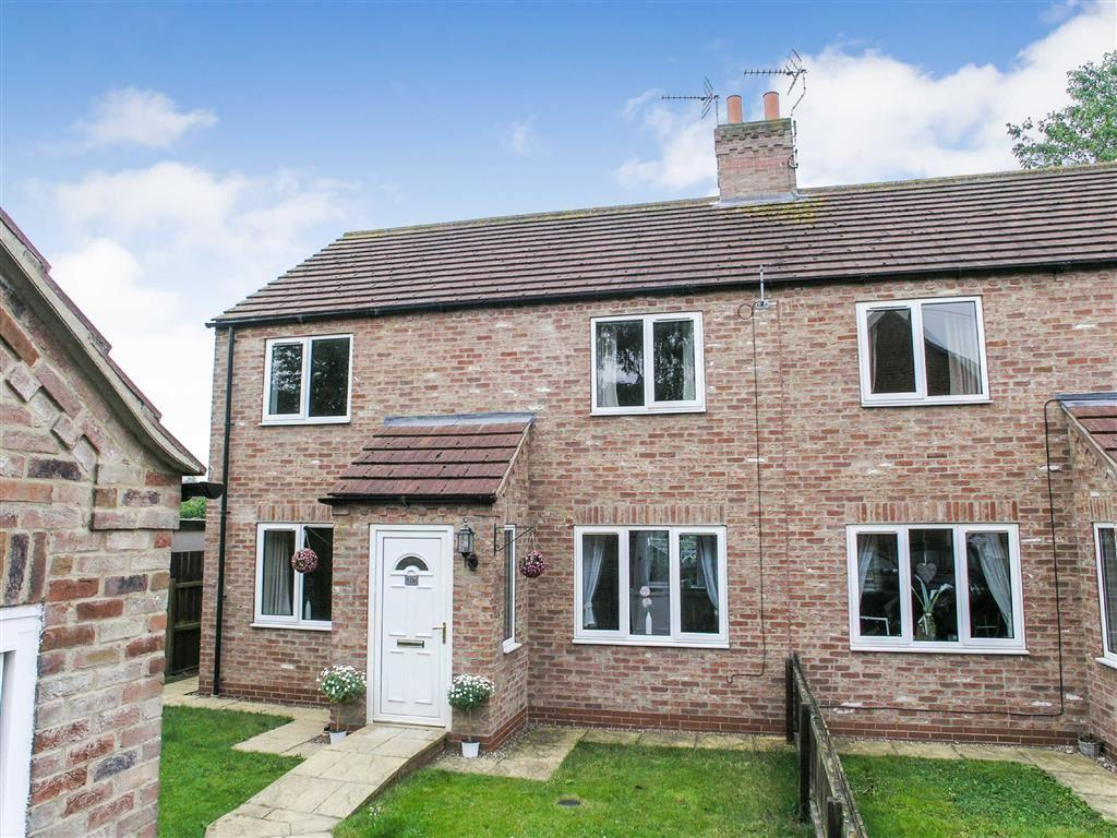 3 Bedrooms Semi Detached House for sale in Trinity Close, Leven, East Yorkshire