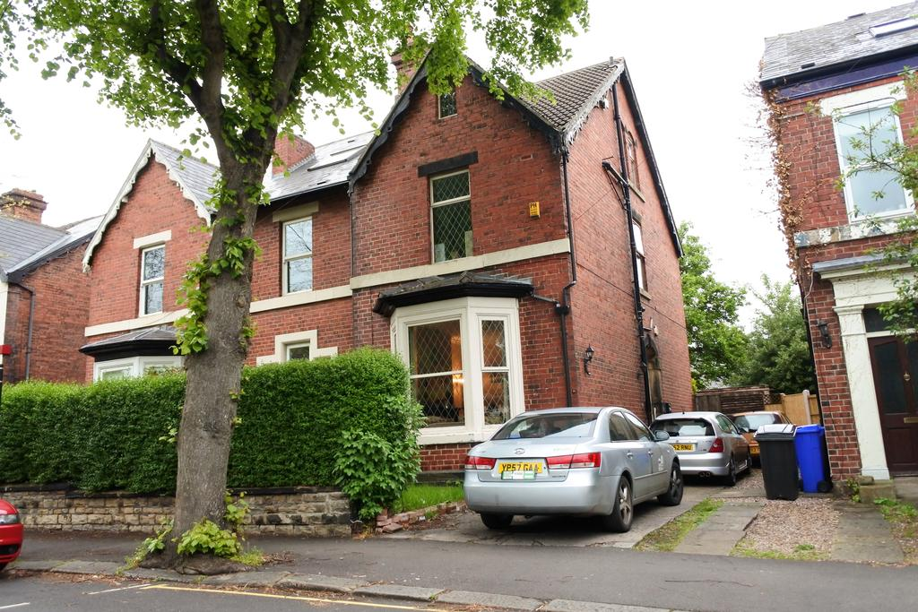 4 Bedrooms Semi Detached House for rent in Grange Crescent, Sheffield S11
