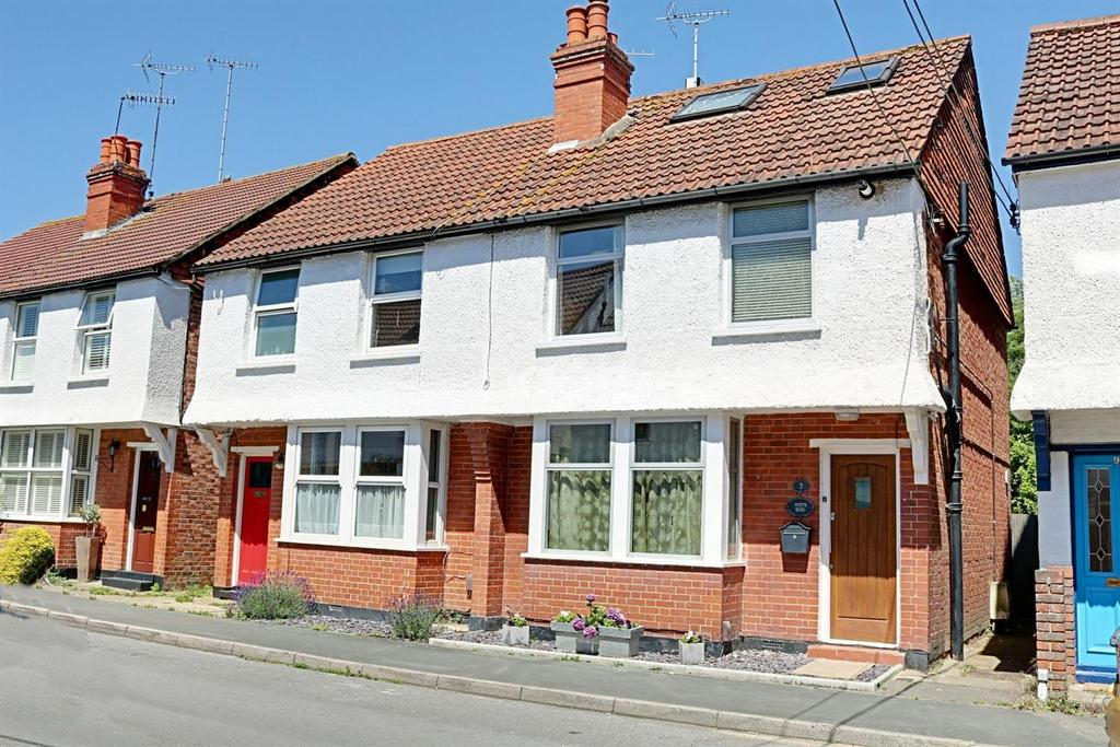 3 Bedrooms Semi Detached House for sale in Bentsbrook Road, North Holmwood