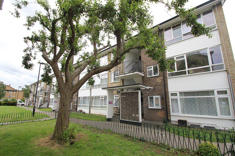 1 Bedroom Flat for sale in Plevna Road, Edmonton, N9