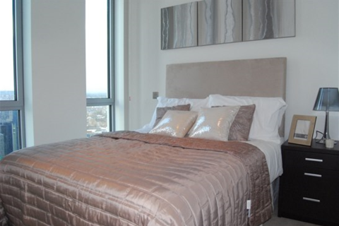 2 bedroom flat to rent - Pan Peninsula Square, East Tower E14