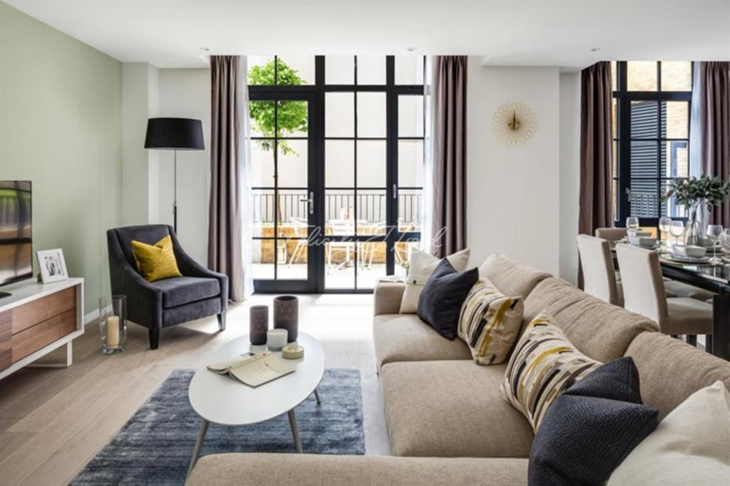 3 Bedrooms Flat for sale in Valentine Place, SE1