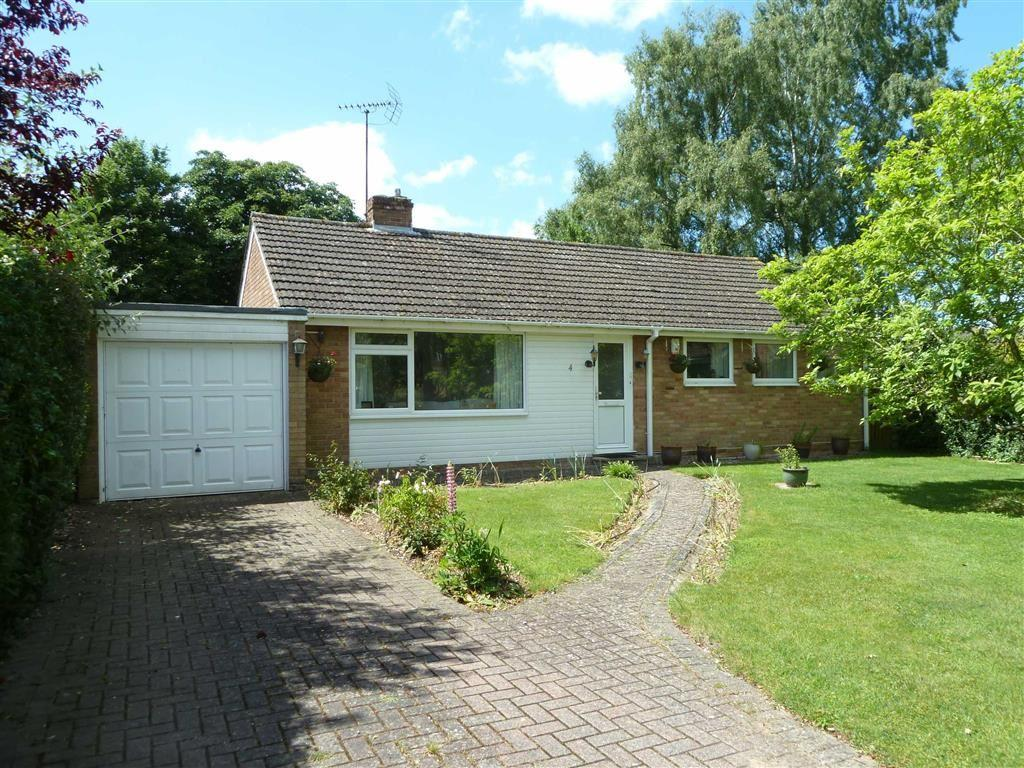 3 Bedrooms Detached Bungalow for sale in Birch Close, Sonning Common, Sonning Common Reading