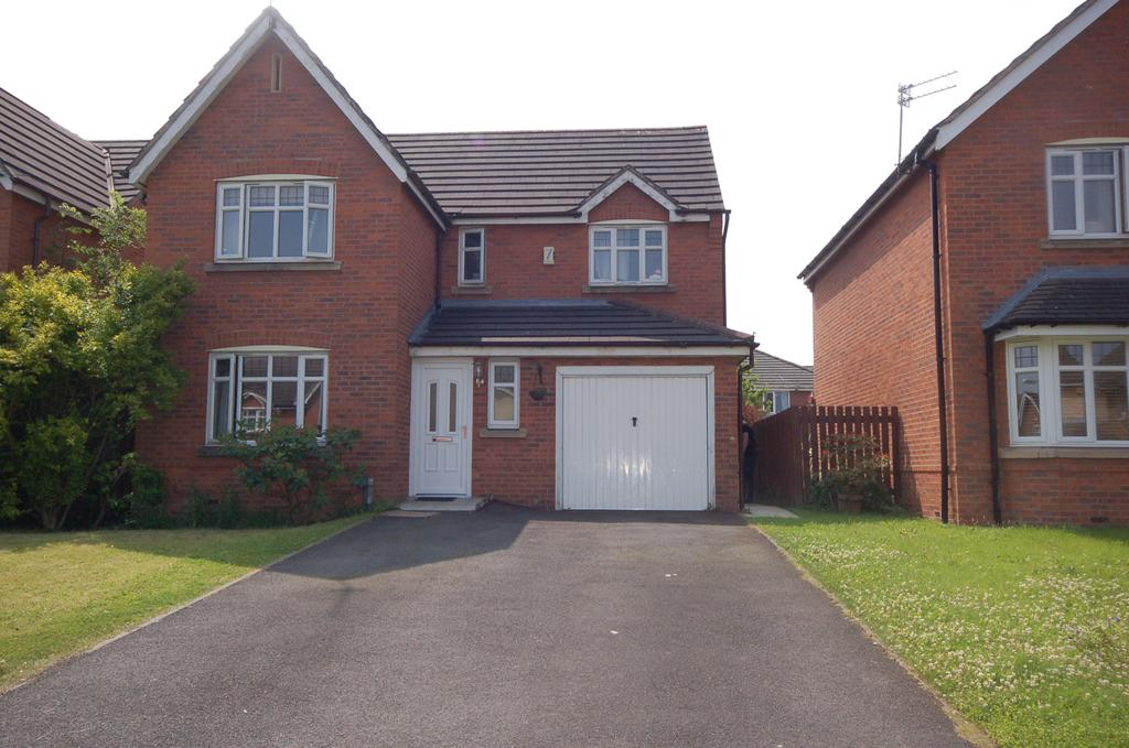 4 Bedrooms Detached House for sale in Devoke Road, Woodhouse Park, Manchester M22