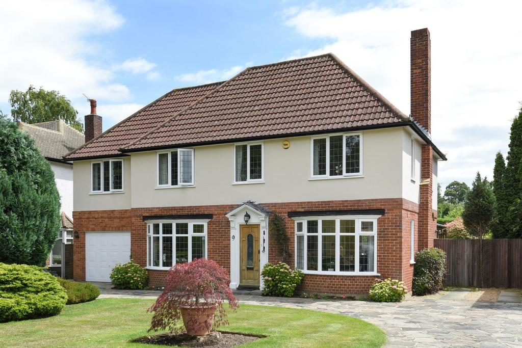 5 Bedrooms Detached House for sale in Marlowe Close, Chislehurst, BR7