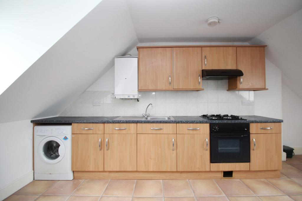 1 Bedroom Flat for sale in Eglinton Hill Plumstead SE18