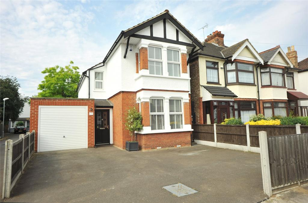 2 Bedrooms Detached House for sale in Mildmay Road, Romford, RM7