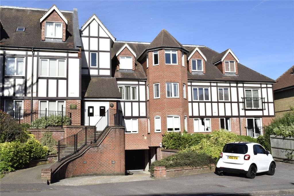1 Bedroom Apartment Flat for sale in Emerson House, Butts Green Road, Hornchurch, RM11