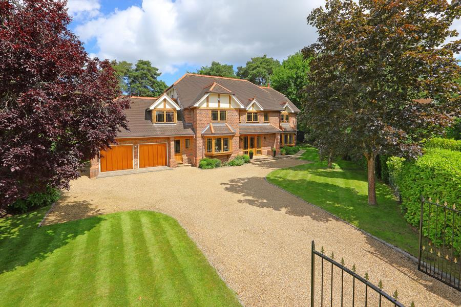 5 Bedrooms Detached House for sale in Wentworth Estate, Virginia Water