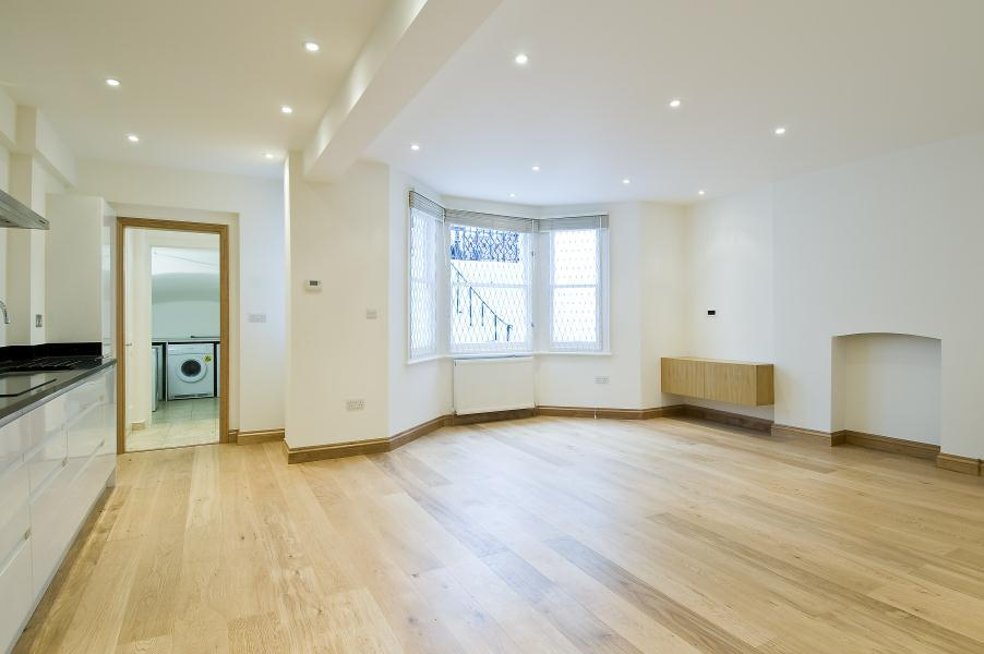 2 Bedrooms Flat for sale in Stanwick Road, West Kensington W14