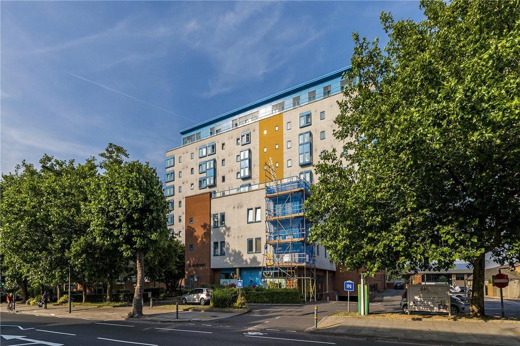 1 Bedroom Flat for sale in Solent Court, 1258 London Road, London, SW16