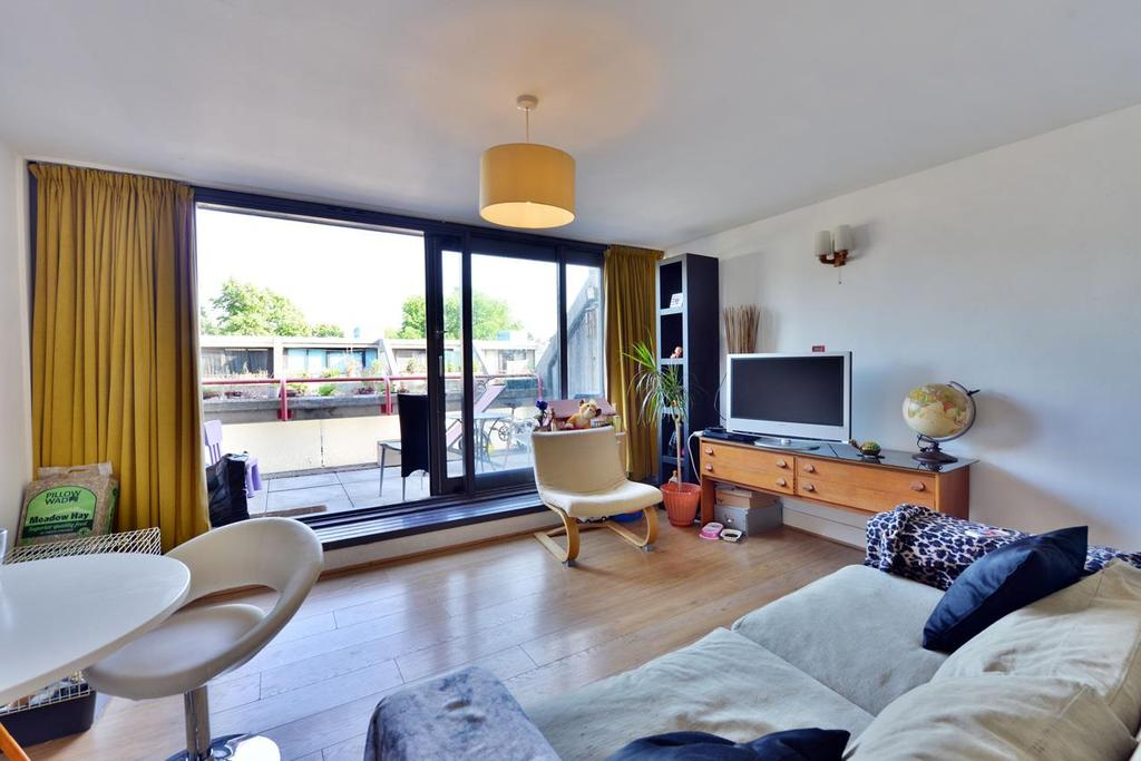 1 Bedroom House for sale in Rowley Way, London