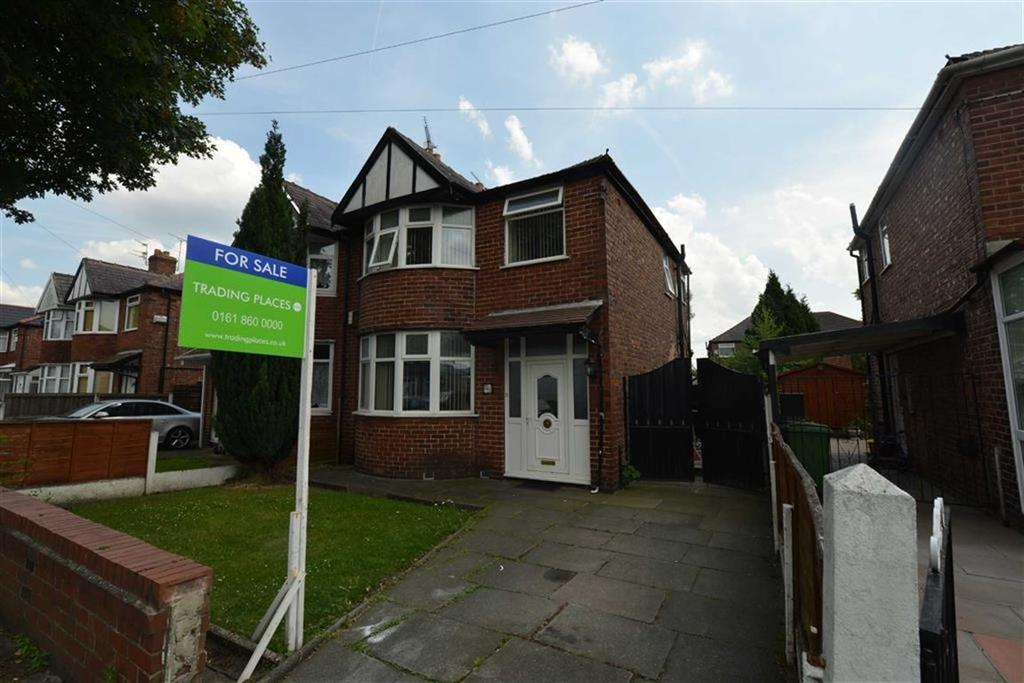 3 Bedrooms Semi Detached House for sale in Kings Road, OLD TRAFFORD, Manchester