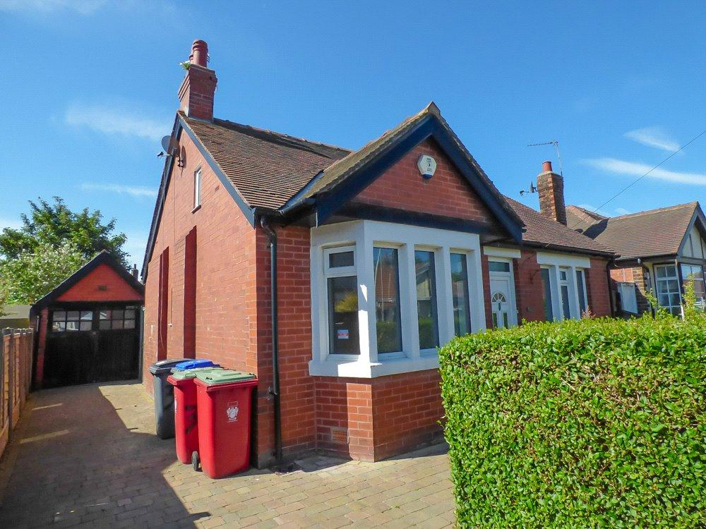 2 Bedrooms Detached Bungalow for sale in Kendal Avenue, Highfurlong, Blackpool