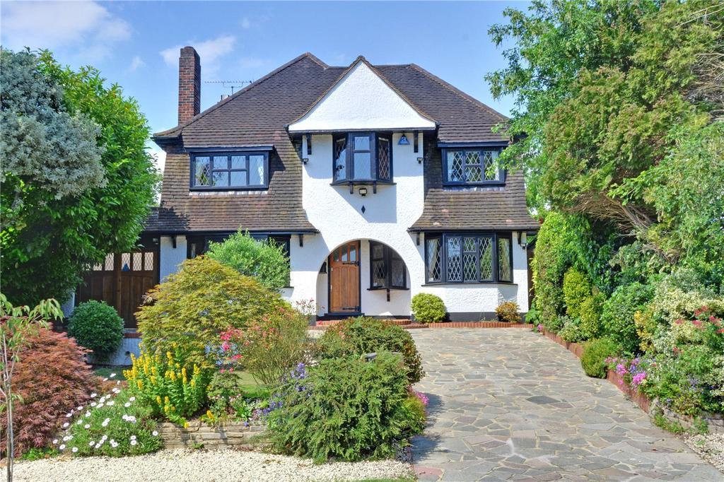 5 Bedrooms Detached House for sale in Yester Park, Chislehurst, BR7
